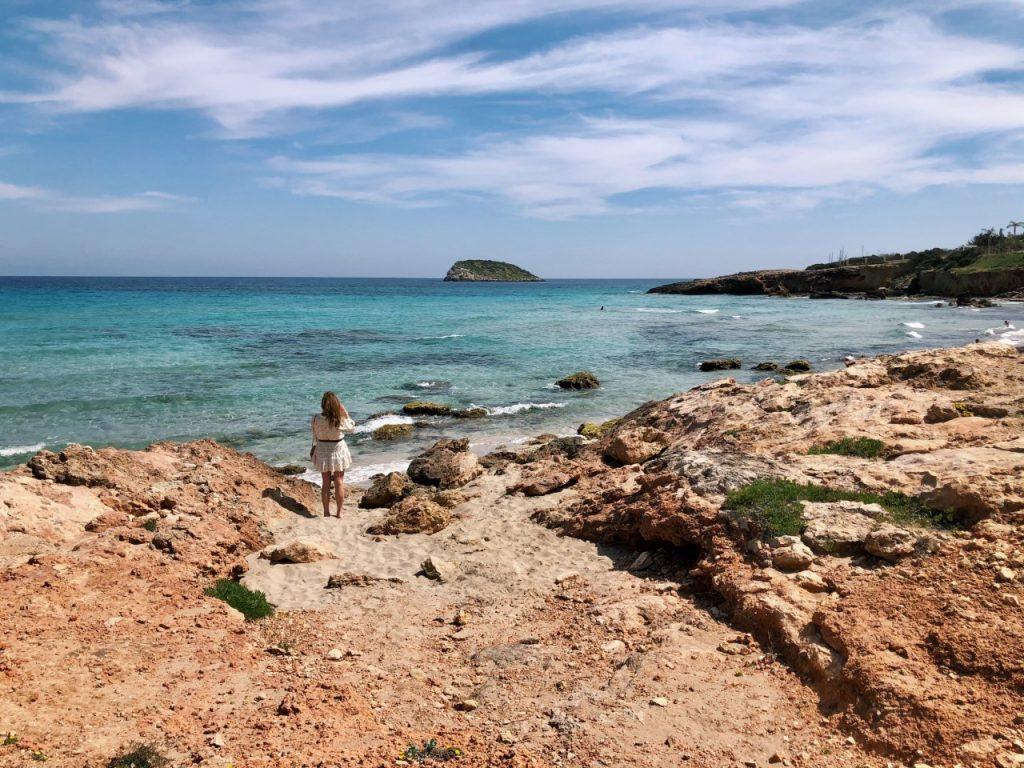 Cala Nova Ibiza rotsen